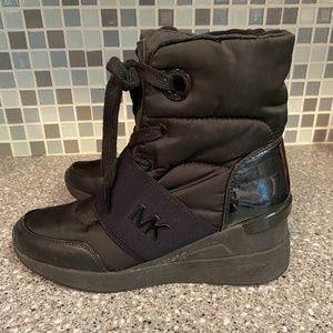 Michael Kors Shay nylon cold weather boots 6